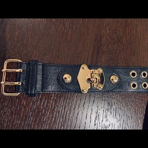 Guess Gold Buckle Leather bracelet